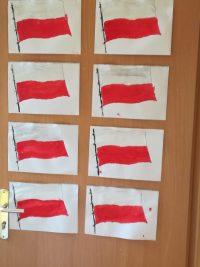 Flaga Polski - malowanie farbami plakatowymi ipędzlem