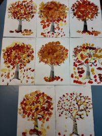 Jesienne drzewo- malowanie farbą plakatową