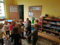 Zabawy wkole ześpiewem