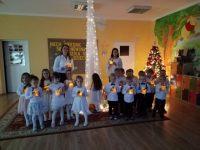 Taniec dzieci zlampionami
