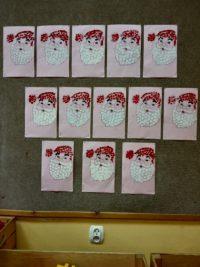 Mikołaj- malowanie farbami plakatowymi palcem wskazującym