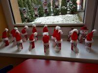 Mikołaj- wykonywanie zrolki papieru, bibuły iwaty