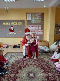 Spotkanie dzieci zMikołajem