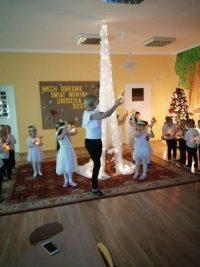 Taniec zlampionami