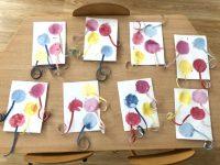 Baloniki- uzyskane poprzez odciśnięcie nakartce namoczonych wfarbie płatków kosmetycznych.