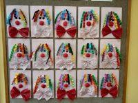 Klown praca zpapieru kolorowego ibibuły