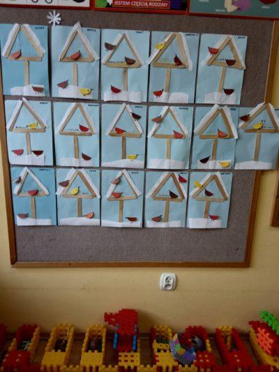 Karmnik praca zpatyczków. Origami zkół