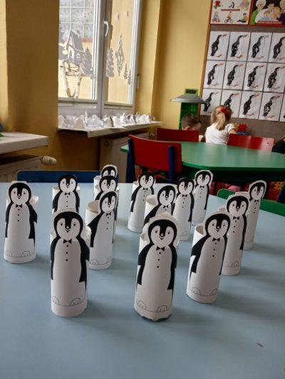Pingwinek praca zrolki papieru