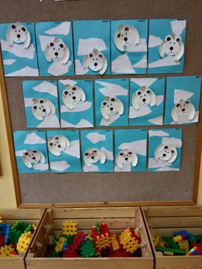 Niedźwiedź polarny praca ztalerzyka papierowego