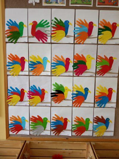 Papuga wycinanie zpapieru kolorowego