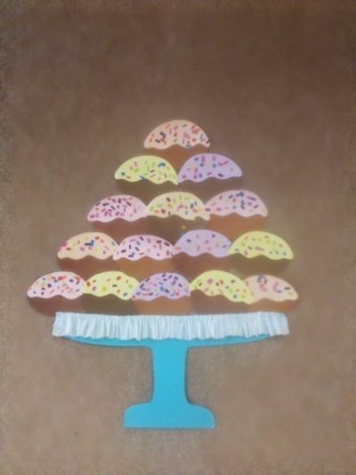 Pączki- praca plastyczna zkolorowego papieru