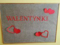 Dekoracja tablicy: napis Walentynki