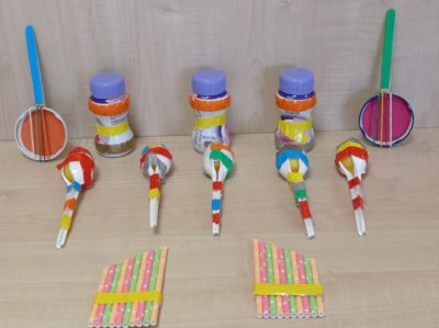 Instrumenty muzyczne - praca przestrzenna wykonana zróżnorodnego materiału