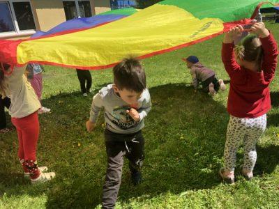 Zabawy wogrodzie przedszkolnym