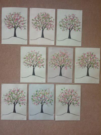 Kwitnąca jabłoń - malowanie farbami