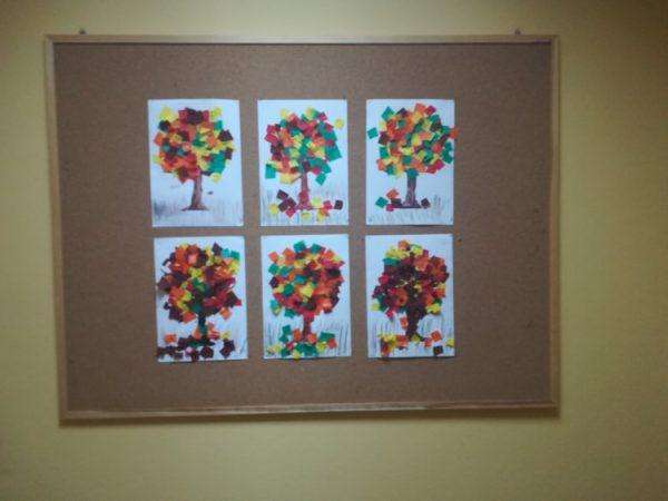 Jesienne drzewo - praca plastyczna wykonana zbrązowej farby plakatowej igładkiej bibuły kolorowej