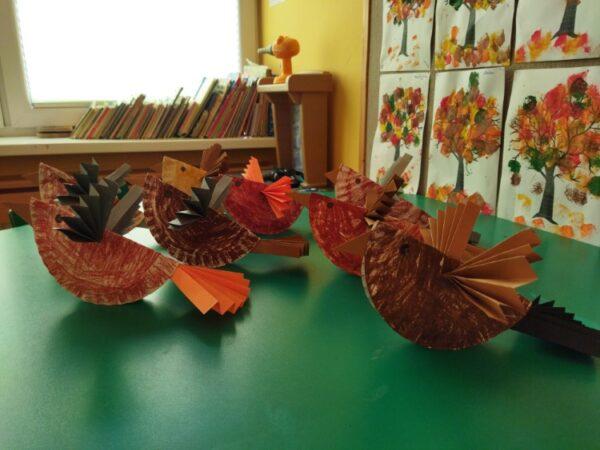 Ptaszki- praca przestrzenna zpapierowego talerzyka